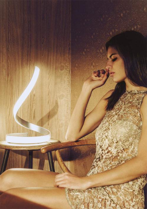 Fanluce lampade da tavolo fano per la casa e l 39 ufficio for Casa arredo fano